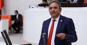 """CHP'li Budak: """"Türkiye Tek Adamın Ceremesini Çekiyor"""""""