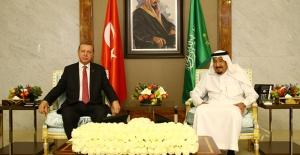 Cumhurbaşkanı Erdoğan, Suudi Arabistan Kralı Selman İle Telefonda Görüştü