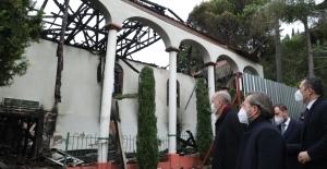 Cumhurbaşkanı Erdoğan, Tarihî Vaniköy Camii'nde İncelemelerde Bulundu