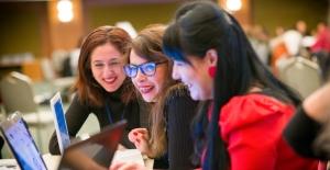 İngilizce Öğretmenlerine Yönelik Çevrimici Mesleki Eğitim Seminerleri