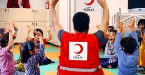 Kızılay'ın Şefkat Eli Çocuklara Uzanıyor