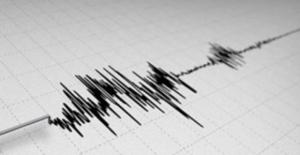 Kuşadası Üst Üste İki Deprem Yaşadı