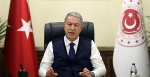 Millî Savunma Bakanı Akar, Rus Mevkidaşı Şoygu İle Görüştü