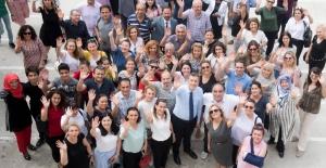 Öğretmenler Günü İçin İlk Çevirim İçi Kutlama Programı
