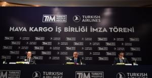 Bakan Karaismailoğlu: Türkiye'nin Lojistik Bir Güç Olması İçin Hep Birlikte Çalışıyoruz