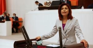 """CHP'li Emecan: """"Yarattığınız Kamu Zararı İleride Yüce Divan Soruşturmalarına Konu Olacak"""""""
