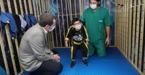 Engelli Miniklere 'Uzay Terapisi'