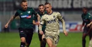 Fenerbahçe, Denizlispor'u 2-0 Mağlup Etti