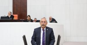 """""""Saray Şatafatından Ödün Vermezken, Vatandaş Kuru Ekmeğe Muhtaç!"""""""
