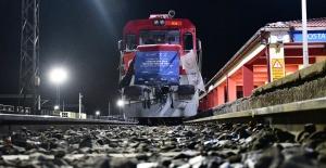 Türkiye'den İhraç Malları Taşıyan İlk Yük Treni Çin'e Ulaştı