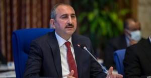 """Adalet Bakanı Gül: """"Failler Hukuk Önünde Hesap Verecektir"""""""