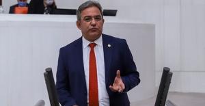 """CHP'li Budak: """"Turizm Bakanı Hayal Satıyor"""""""