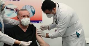 Cumhurbaşkanı Erdoğan, Kovid-19 Aşısı Oldu