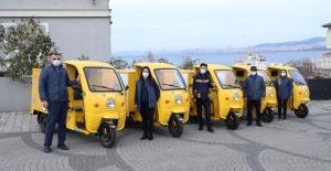 PTT'nin Çevre Dostu, Elektrikli Araçları Adalar'da Hizmete Başladı