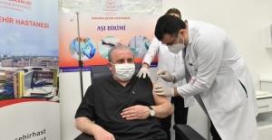 TBMM Başkanı Şentop Kovid-19 Aşısı Yaptırdı