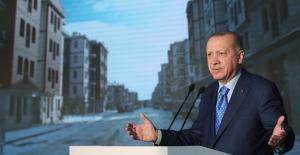 """""""Türkiye, Çok Sayıda Konutu En Kaliteli Şekilde İnşa Ederek, Yaraları Hızla Saracak Bir Kapasiteye Ulaşmıştır"""""""
