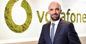 Vodafone'lular 2021'e Girerken 14,4 Milyon GB Mobil İnternet Kullandı