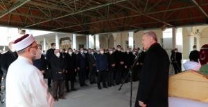 Cumhurbaşkanı Erdoğan, Elazığlı Kanaat Önderi Hafız Nazırlı'nın Cenaze Törenine Katıldı