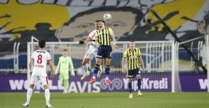 Göztepe'den Fenerbahçe'ye Tek Kurşun