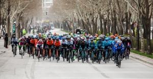 56. Cumhurbaşkanlığı Türkiye Bisiklet Turu Konya Mevlana Meydanı'ndan Verilen Start İle Başladı