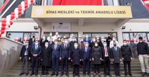 """Bakan Selçuk, """"Salgın Dönemi De Gösterdi Ki Mesleki Eğitim Kurumları, Türk Eğitim Sisteminin Can Damarıdır"""""""