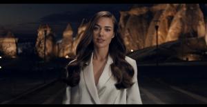 Clear, Bensu Soral İle Yeni Reklam...