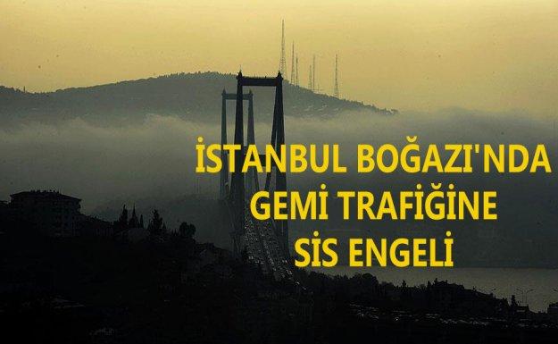 İstanbul'da Sis Gemi Trafiğini Engelledi