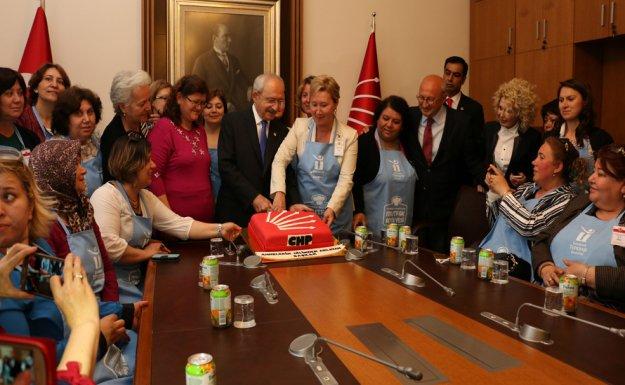 Kılıçdaroğlu, Tepebaşı Belediyesi Mutfak Atölyesi Kursiyerlerini Kabul Etti.