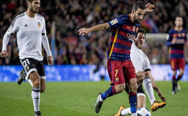 Barcelona Kral Kupa'sında Valencia'yı Dağıttı