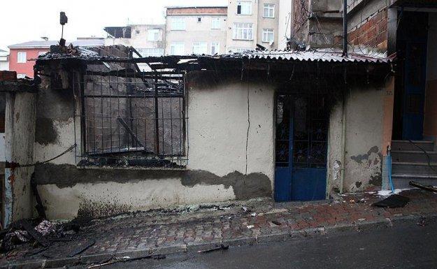 Esenler'de Çıkan Yangında 2 Çocuk Hayatını Kaybetti