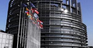 AB Komisyonu Mülteci Anlaşmasını Türkiye ile Değerlendirecek