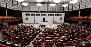 Meclis'te Kısa Süreli Panik