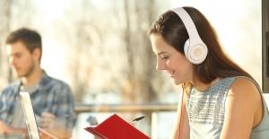 Türkiye'nin Yaz Dönemindeki Müzik Kitap ve Film Tercihleri