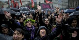 Arjantin'de Kadınlar Tecavüz ve Cinayete Karşı Sokağa Çıktı