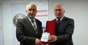 ÇYDD'ye 2016 Eğitim Onur Ödülü