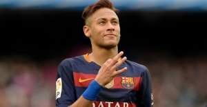 Neymar Trafik Kazası Geçirdi