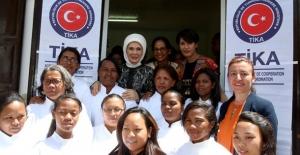 Emine Erdoğan, Madagaskar'da Kadın Eğitim Merkezi Açılışı Yaptı