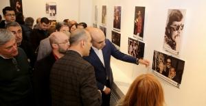 Cem Karaca'nın Daha Önce Yayınlanmamış Fotoğrafları Sergileniyor