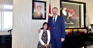 Küçük Beril'den Başkan Akgül'e Büyük Sorular