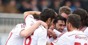Sivasspor Çeyrek Finale Rahat Çıktı