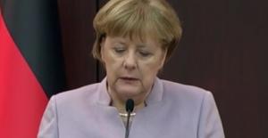 Merkel Tunus İle Göç Ve Mülteci Anlaşmasını İmzaladı