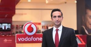 Vodafone Hd Ses Teknolojisi İle Babalar Ve Çocukları Buluşturuyor