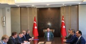 Cumhurbaşkanı Erdoğan Rusya Savunma Bakanı Şoygu'yu Kabul Etti
