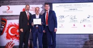 Vodafone Vakfı ve Kızılay'dan 1 Milyonluk Burs