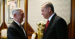 Cumhurbaşkanı Erdoğan ABD Savunma Bakanı Mattis'i Kabul Etti