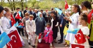 Emine Erdoğan, Astana Çocuk Evi ve Yetimhanesini Ziyaret Etti