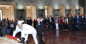 Kılıçdaroğlu Başkanlığındaki Heyet Anıtkabir'i Ziyaret Etti