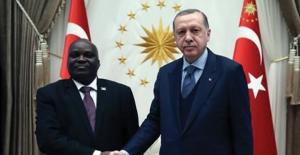 Cumhurbaşkanı Erdoğan Burundi Meclis Başkanı Nyabenda'yı Kabul Etti