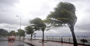 Pazar Günü İçin Kuvvetli Rüzgar Ve Fırtına Uyarısı
