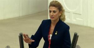 """""""Cumhuriyet Kadınları Olarak Bu Karanlık Ve Çağdışı Zihniyete Asla Geçit Vermeyiz!"""""""